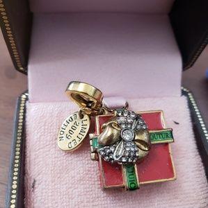 LE 2009 Santa Baby Juicy Couture Charm Present